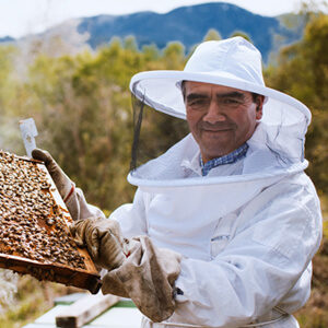 Unser Fairtrade Imker Bernardino