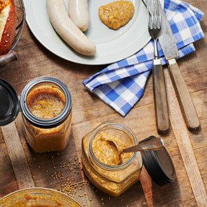 Süßer Senf mit Honig